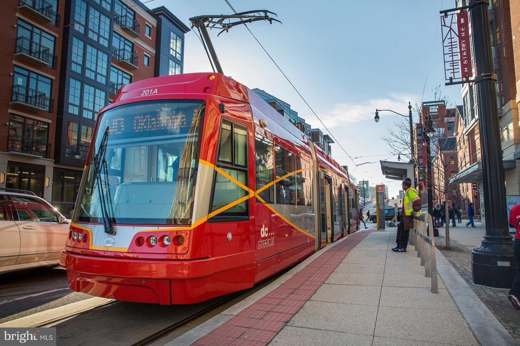 H ST Streetcar around the corner. - 718 F ST NE, WASHINGTON