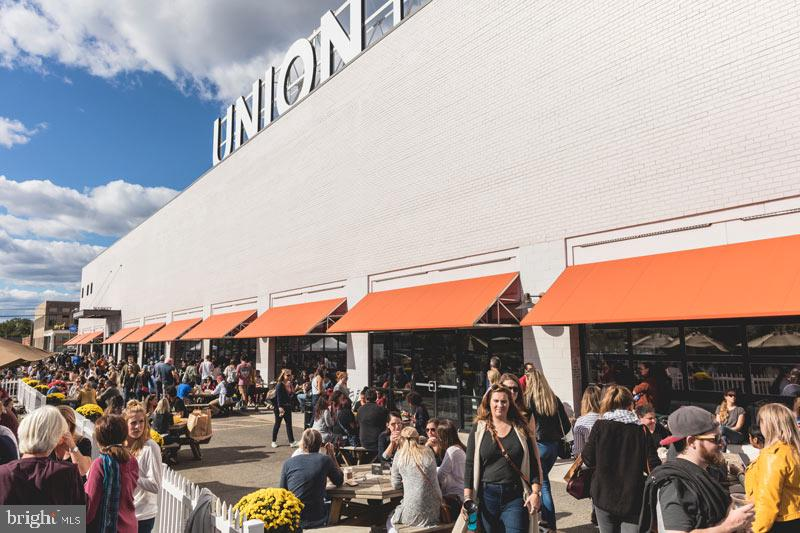 Union Market short drive or walk away. - 718 F ST NE, WASHINGTON