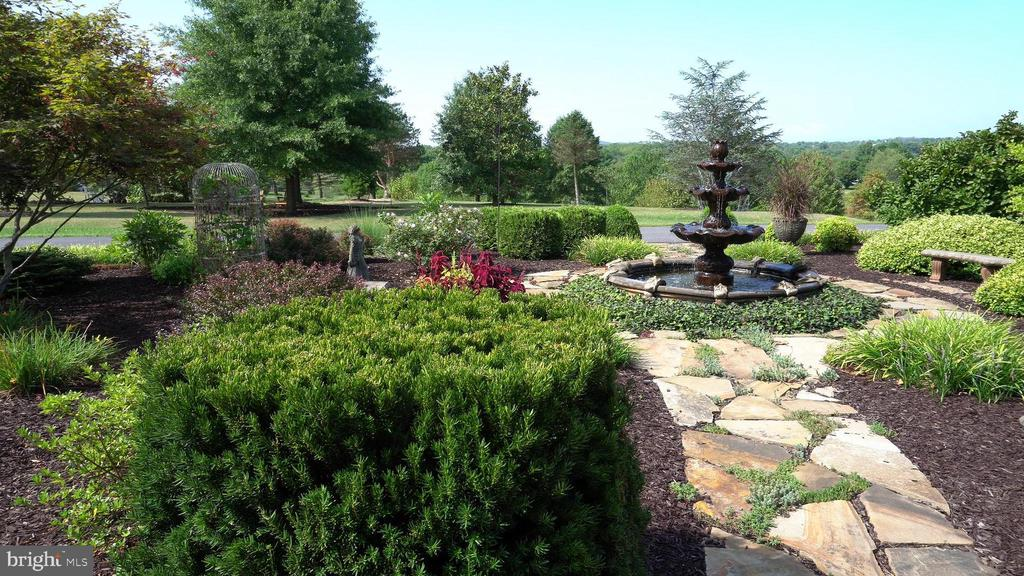 Gracious gardens to greet your guest - 120 QUAIL LN, NEW MARKET