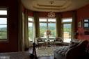 Main level owner's suite opens to patio - 120 QUAIL LN, NEW MARKET