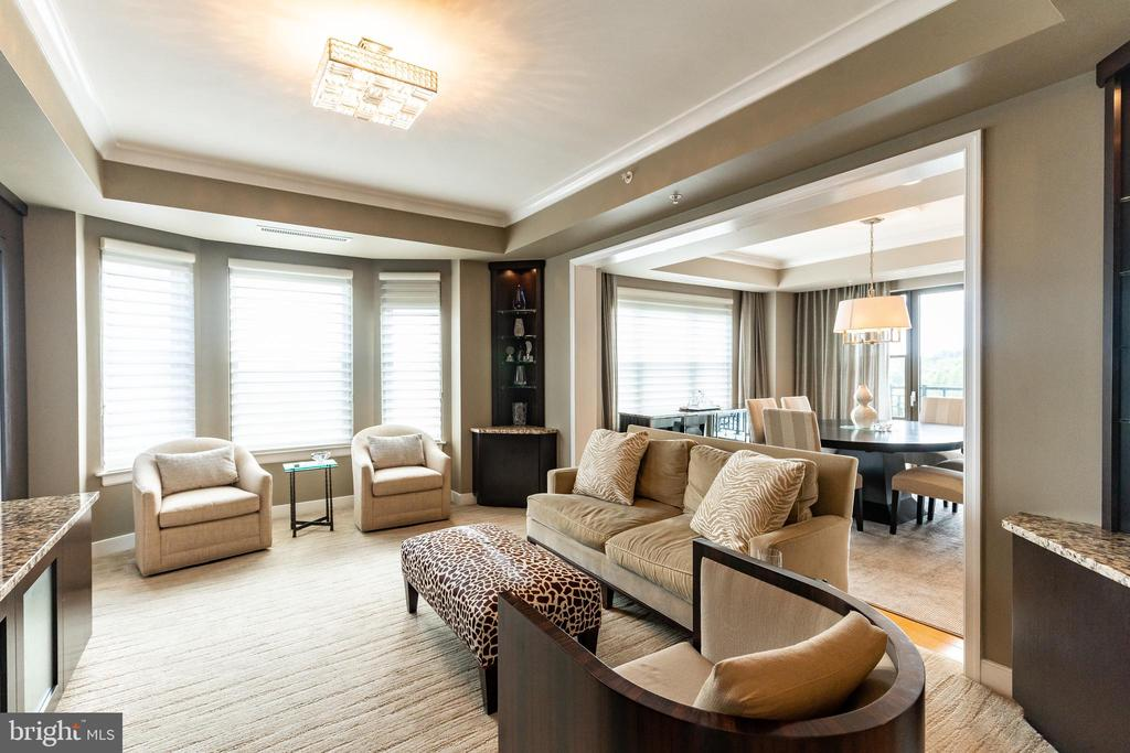 Family Room - 7710 WOODMONT AVE #703, BETHESDA