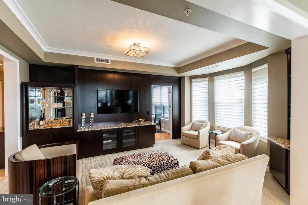 Family Room with Built-ins - 7710 WOODMONT AVE #703, BETHESDA