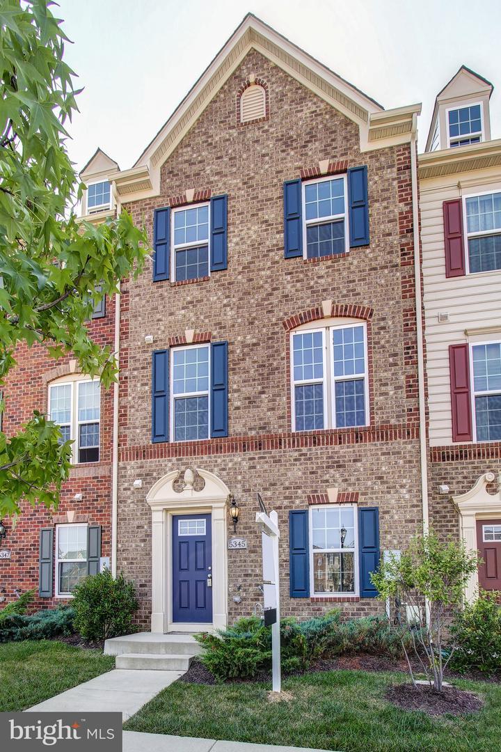 Single Family Homes 용 매매 에 Greenbelt, 메릴랜드 20770 미국