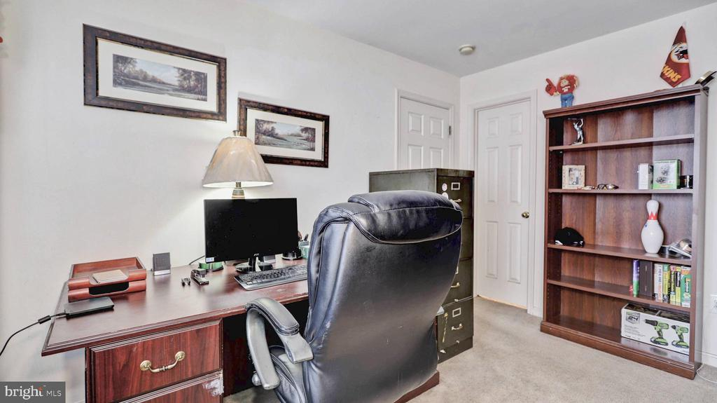 4th bedroom also makes a great office space - 44148 APPALACHIAN VISTA TER, ASHBURN