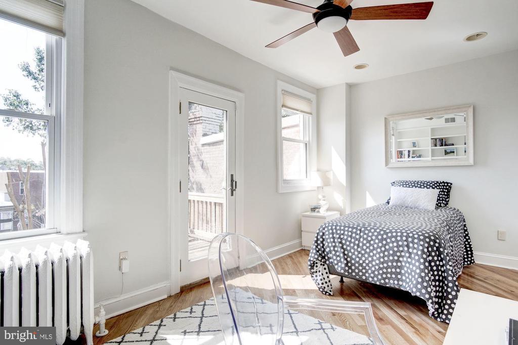Second Bedroom/Office w/Balcony - 1752 LAMONT ST NW, WASHINGTON