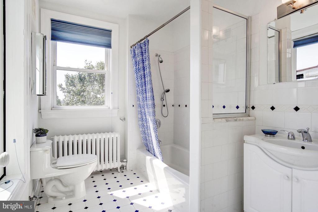3rd Floor Hall Bathroom - 1752 LAMONT ST NW, WASHINGTON