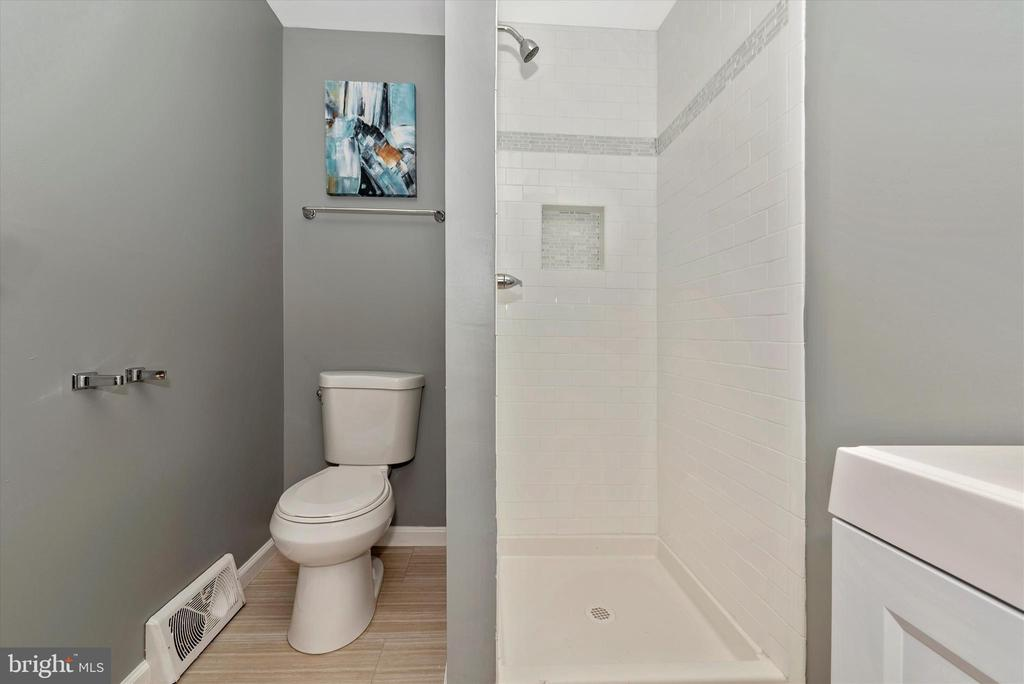 Master Bathroom - 5239 REELS MILL RD, FREDERICK
