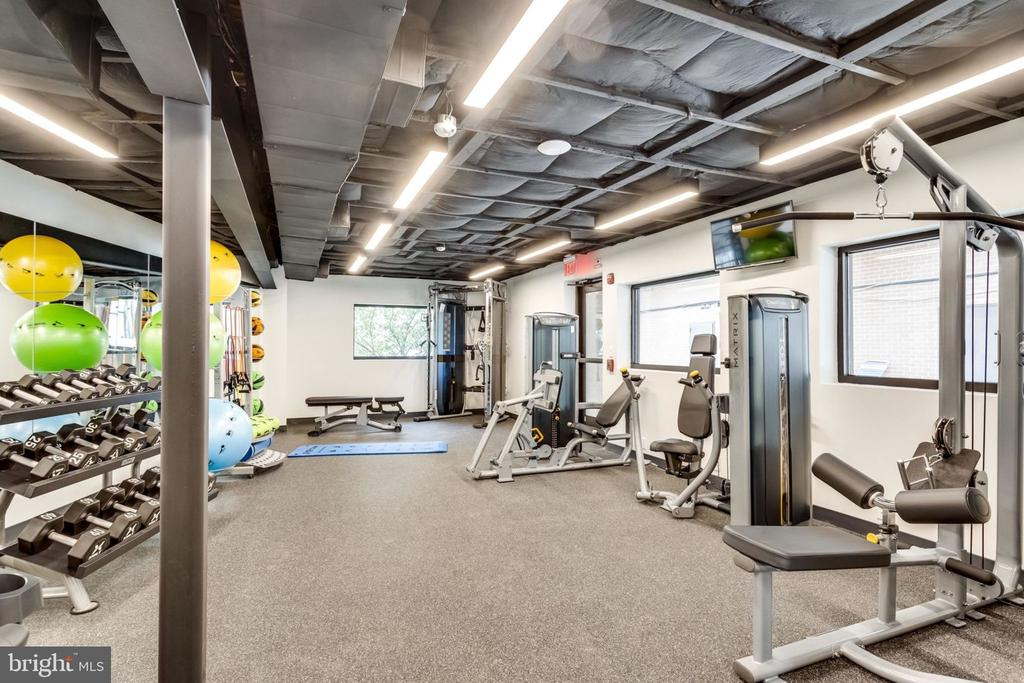 Fitness Center - 3800 FAIRFAX DR #704, ARLINGTON