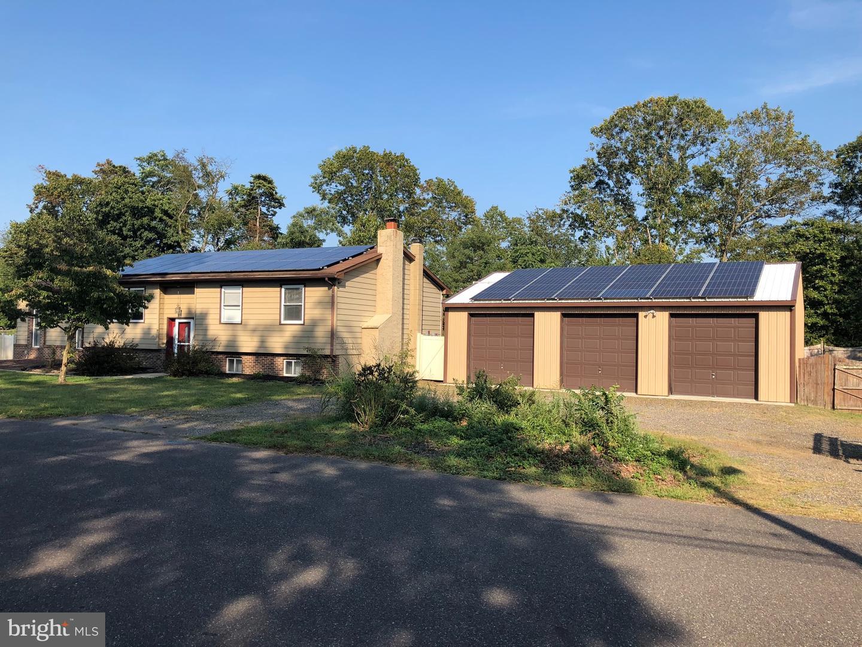 Single Family Homes pour l Vente à Newfield, New Jersey 08344 États-Unis