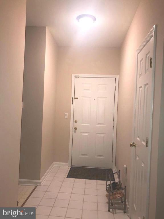 Interior Hall - 20453 CHESAPEAKE SQ #103, STERLING
