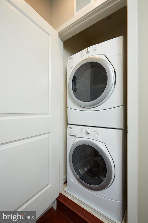 Full Size Washer/Dryer - 549 REGENT PL NE, WASHINGTON
