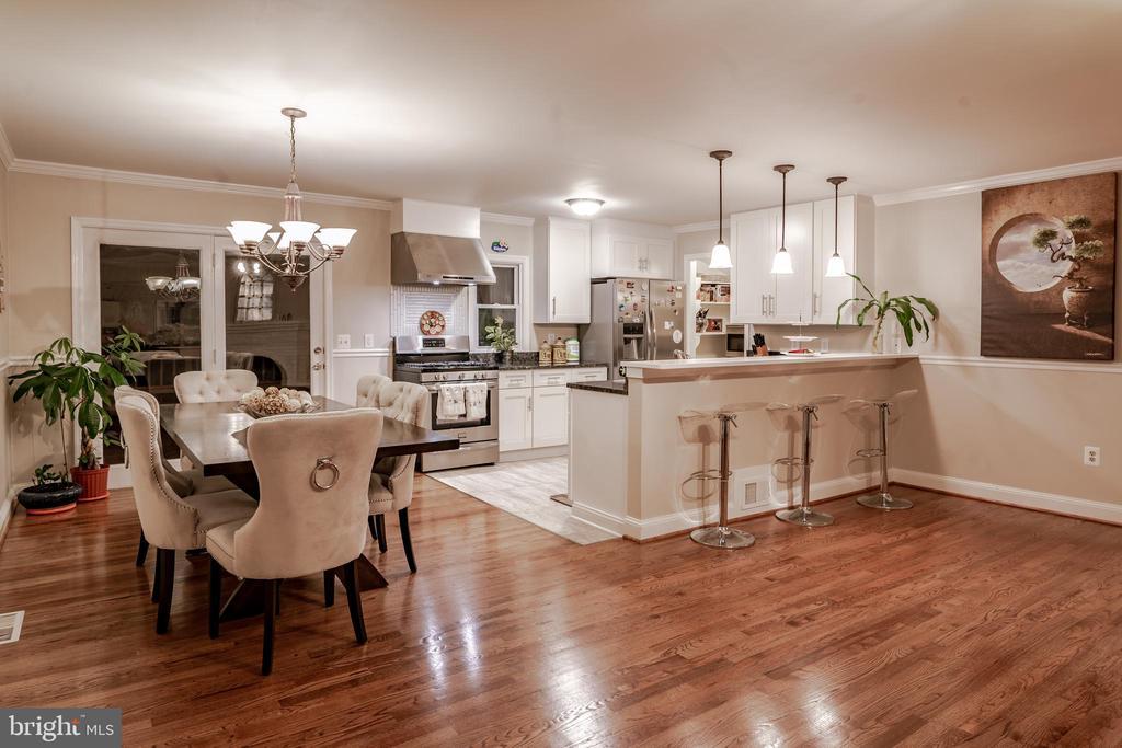 Living Room/Dining Room/Kitchen Upper Level - 7325 AUBURN ST, ANNANDALE