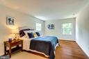Bright master bedroom with hardwood floors - 6411 WYNGATE DR, SPRINGFIELD
