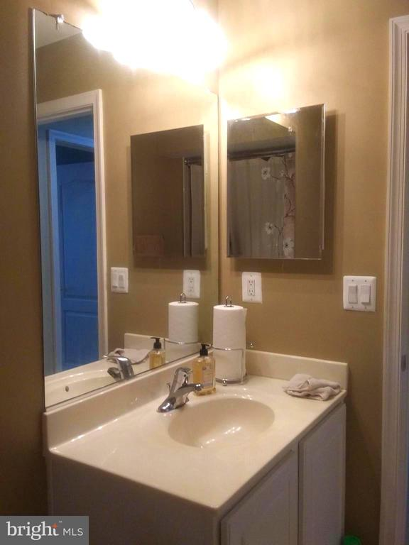 Bathroom 3 with Vanity - 44 HIGHLANDER DR, FREDERICKSBURG