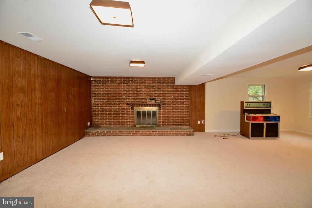 Family Room - 7002 SPRINGFIELD VILLAGE CT, SPRINGFIELD