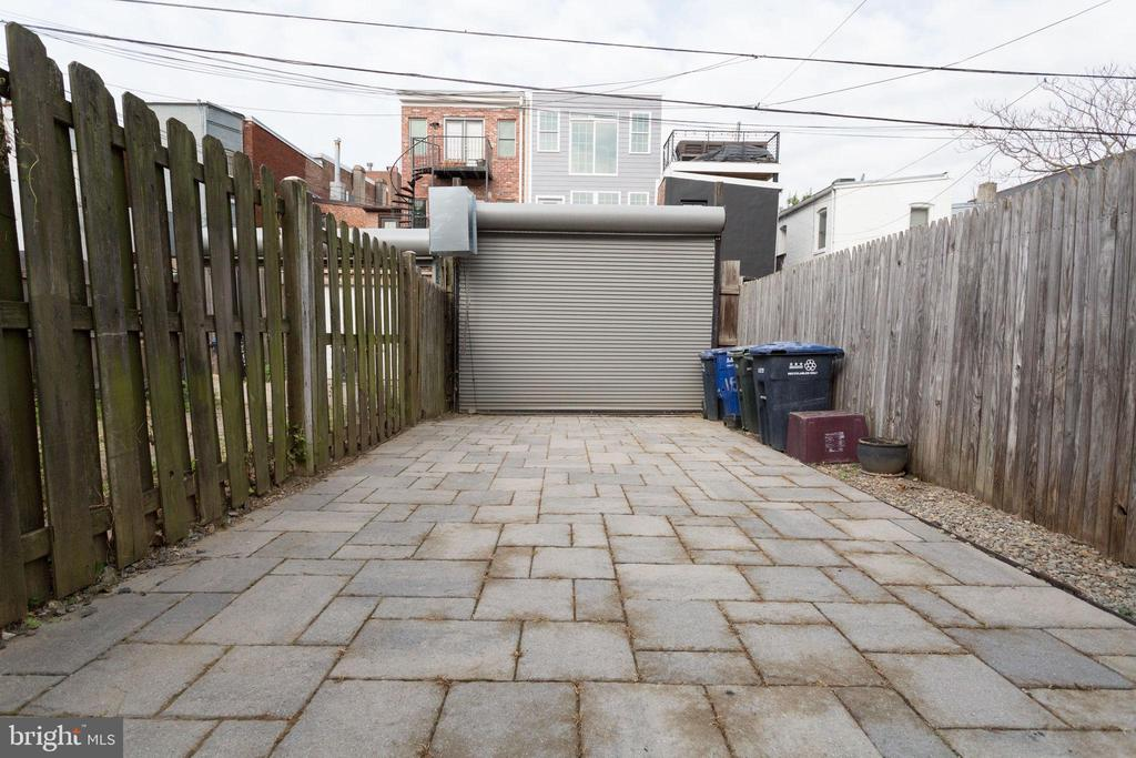 Patio/Parking with Roll-up Garage Door - 1544 8TH ST NW, WASHINGTON