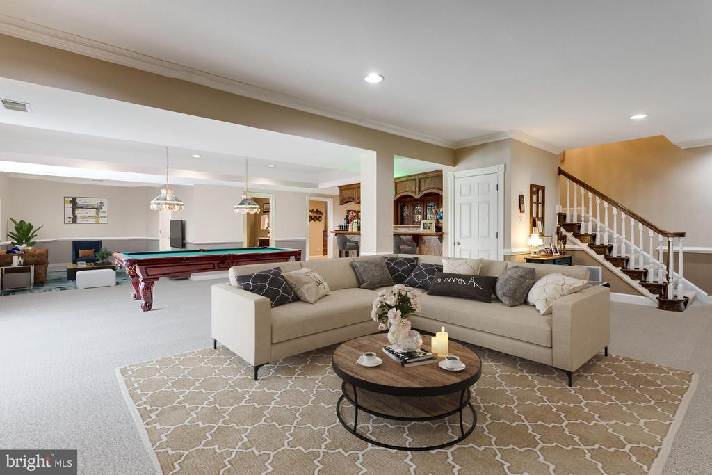 Seemingly Endless Recreation Room. - 10114 LAWYERS RD, VIENNA