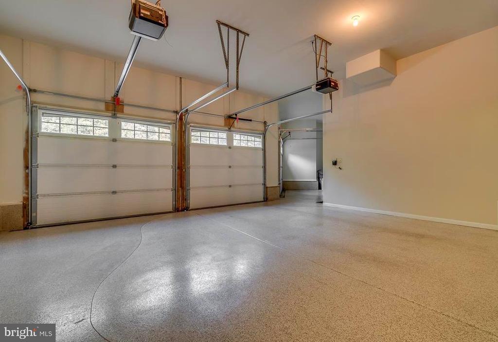 Sealed and Painted Floors - 30 MERIDAN LN, STAFFORD