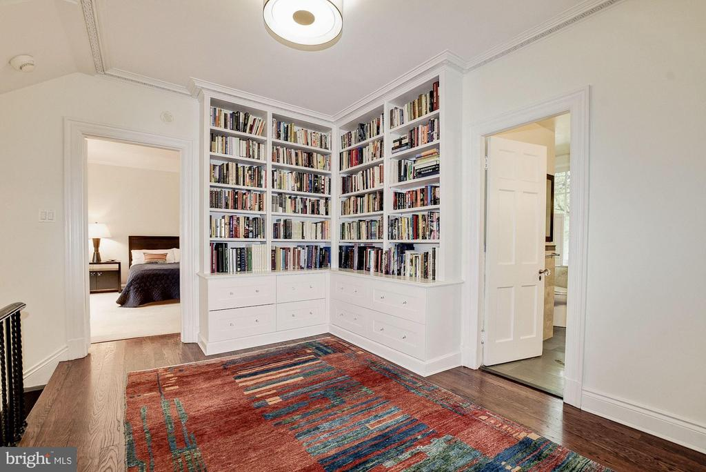 Upstairs Library on Landing - 3308 WOODLEY RD NW, WASHINGTON