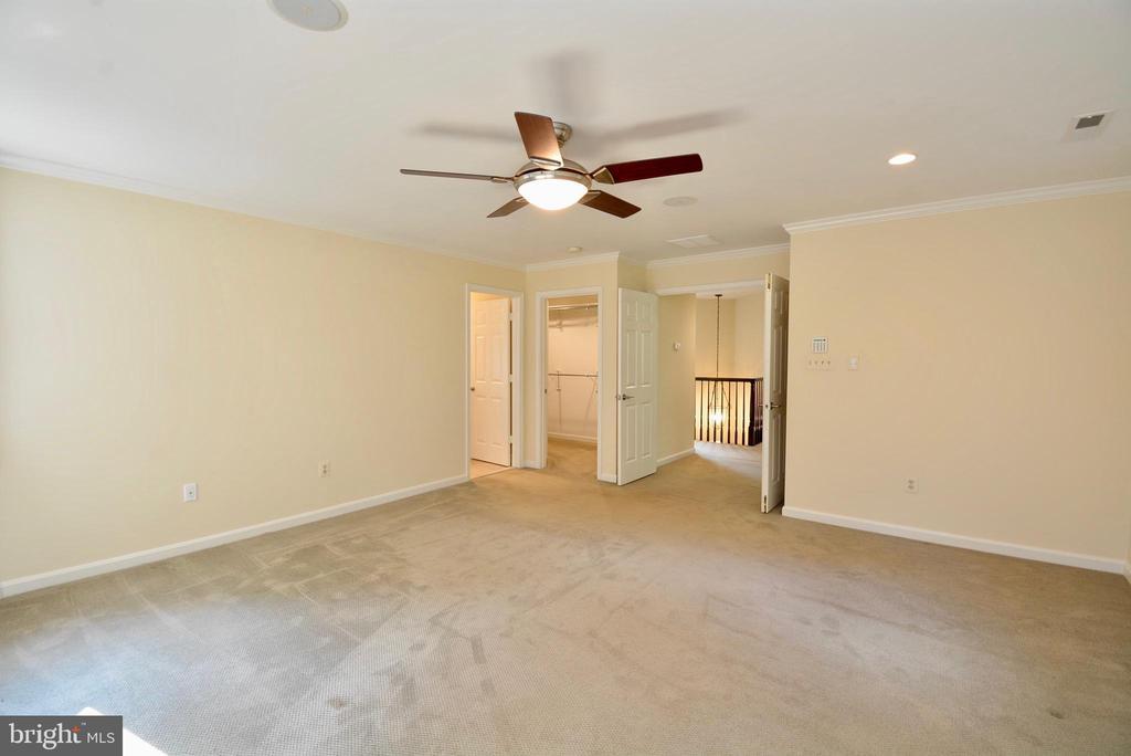 Master Bedroom - 6013 CHAPMAN RD, LORTON