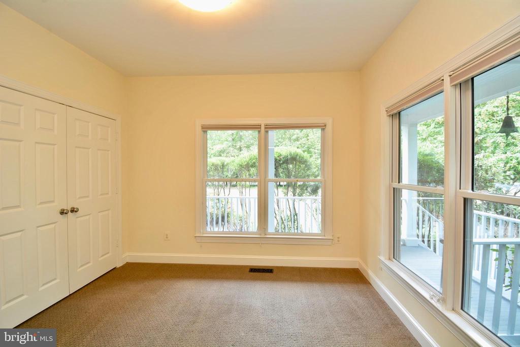 Main Level Office / Bonus Room - 6013 CHAPMAN RD, LORTON