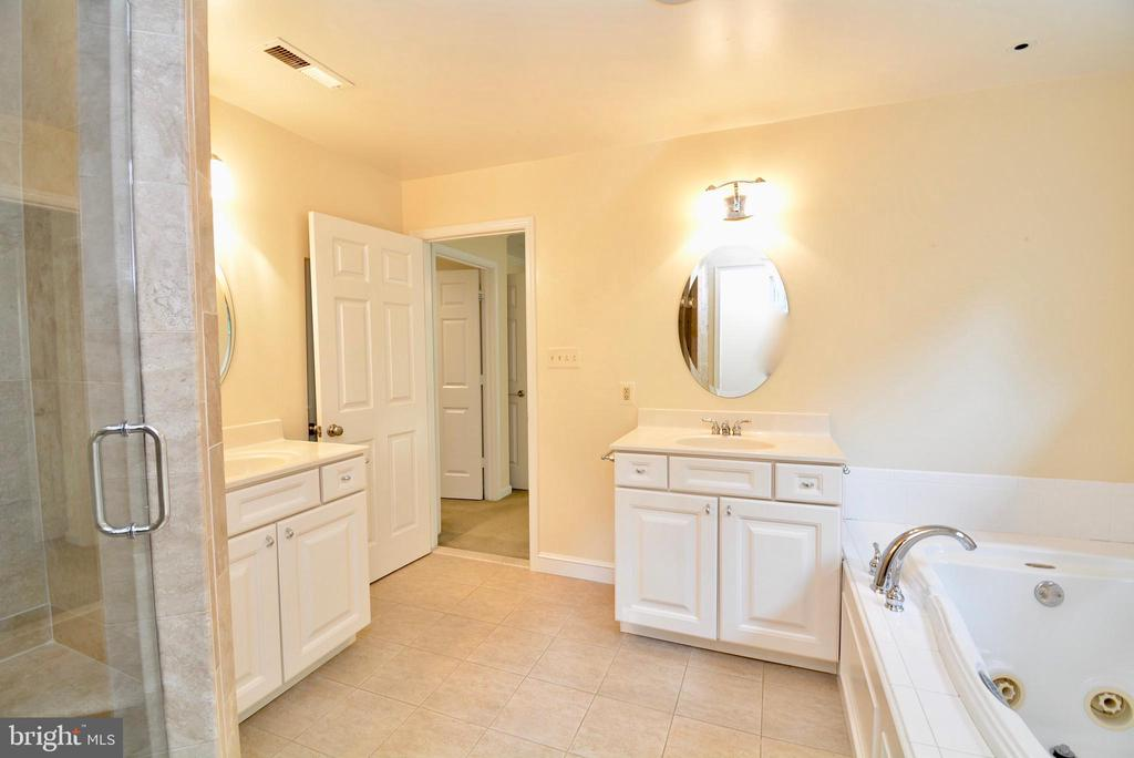 Master Bathroom has Custom Steam Shower - 6013 CHAPMAN RD, LORTON