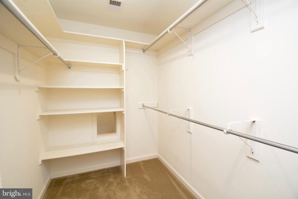 Large, Walk-in Closet has pass-through to Laundry - 6013 CHAPMAN RD, LORTON