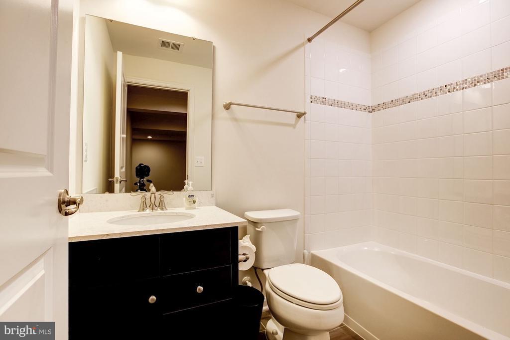Basement Bathroom - 17170 SEA SKIFF WAY, DUMFRIES