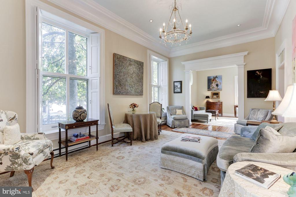 Elegant salon with 12 ft ceiling - 702 PRINCE ST, ALEXANDRIA