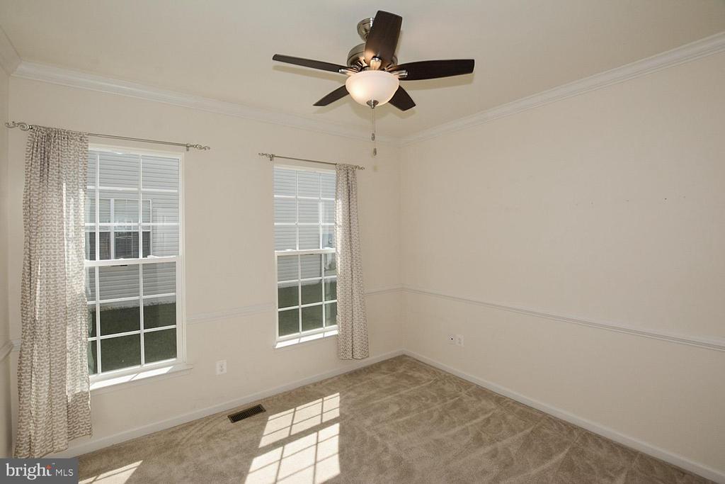 Main floor office - 10306 SPRING IRIS DR, BRISTOW