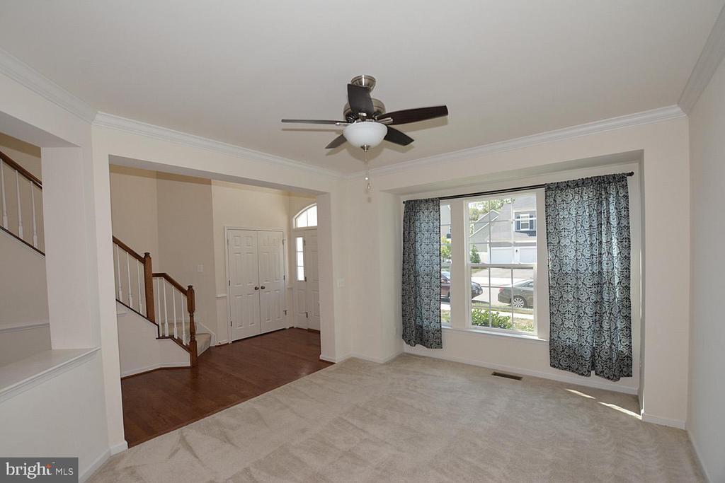 Living room - 10306 SPRING IRIS DR, BRISTOW