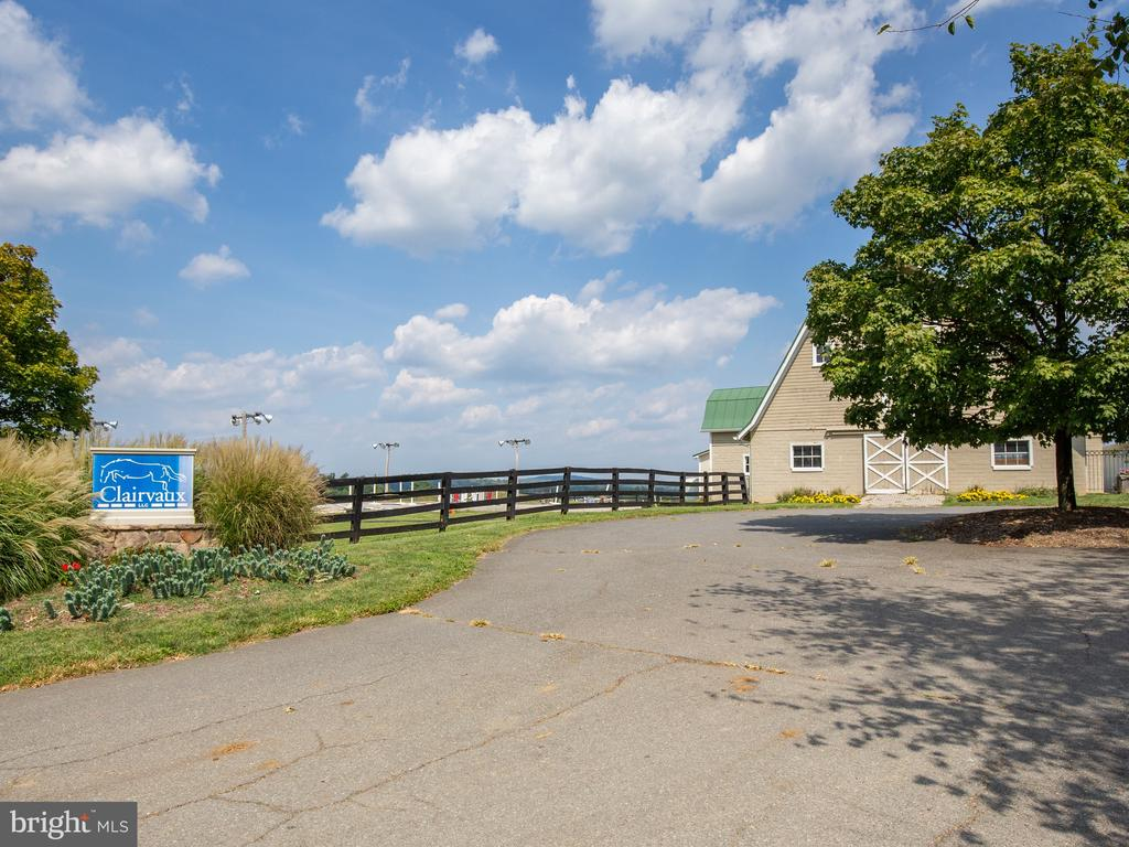 Community/Public Riding Stable with Barn - 40771 BLACK GOLD PL, LEESBURG