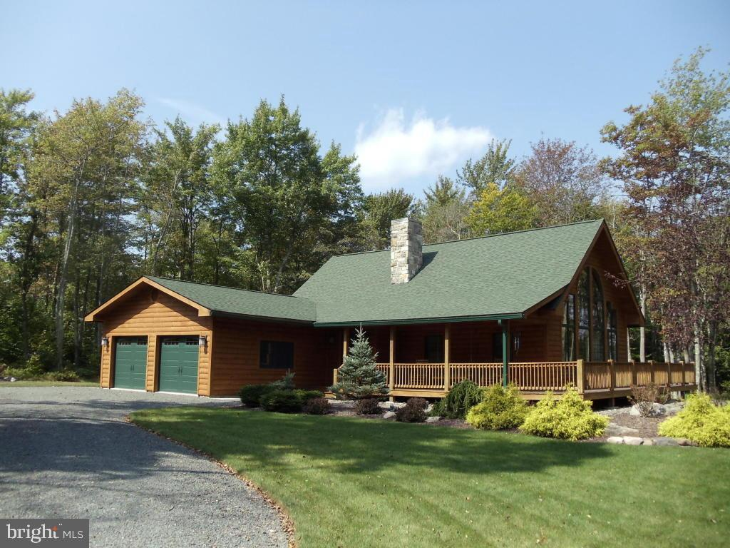 Single Family Homes for Sale at 85 WOLF HOLLOW RD & LOOKOUT POINT, Lake Harmony, Pennsylvania 18624 United States