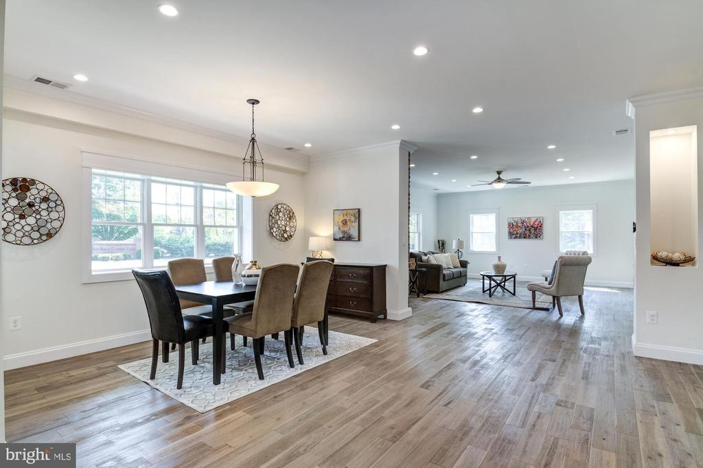 5 Inch Hand Scraped Wire Brushed Walnut Floors - 5216 OLD MILL RD, ALEXANDRIA