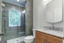 Seamless Glass Enclosed Walk-in Shower - 5216 OLD MILL RD, ALEXANDRIA