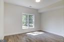 Main Level Bedroom with Full Bathroom - 5216 OLD MILL RD, ALEXANDRIA