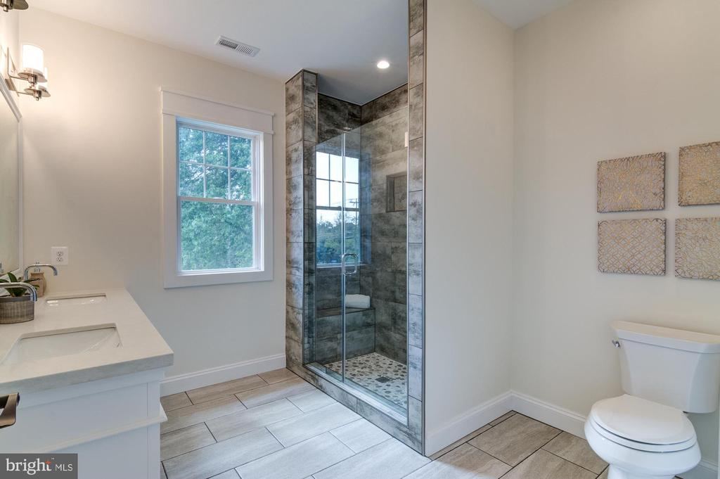 Owner's Bathroom with Lots of Light - 5216 OLD MILL RD, ALEXANDRIA