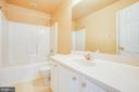 Upstairs hall bath - 92 BRUSH EVERARD CT, STAFFORD