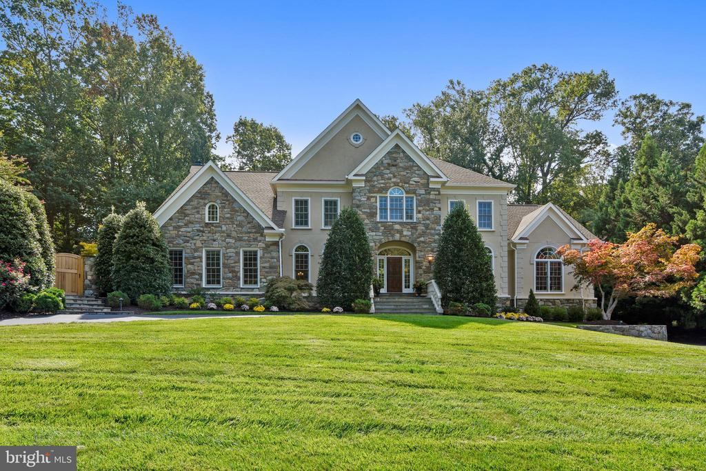 Stunning design - 12303 BLAIR RIDGE RD, FAIRFAX