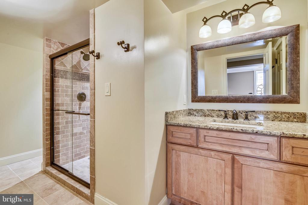 Full lower level bath - 12303 BLAIR RIDGE RD, FAIRFAX