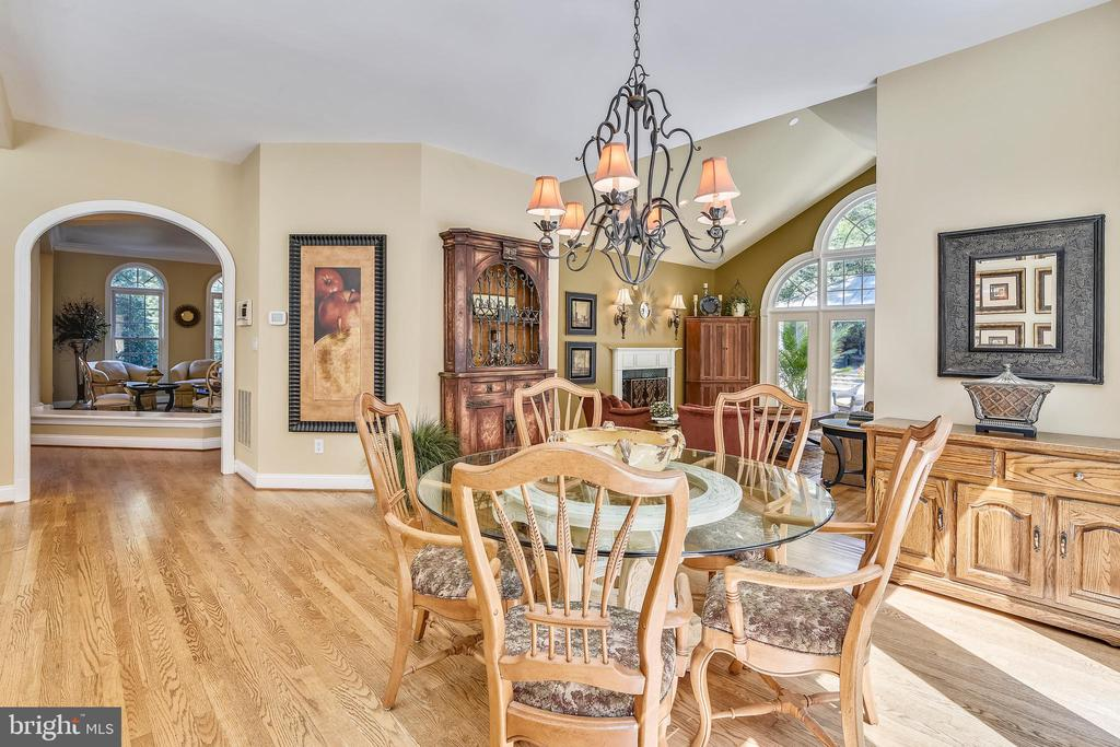 Breakfast room - 12303 BLAIR RIDGE RD, FAIRFAX