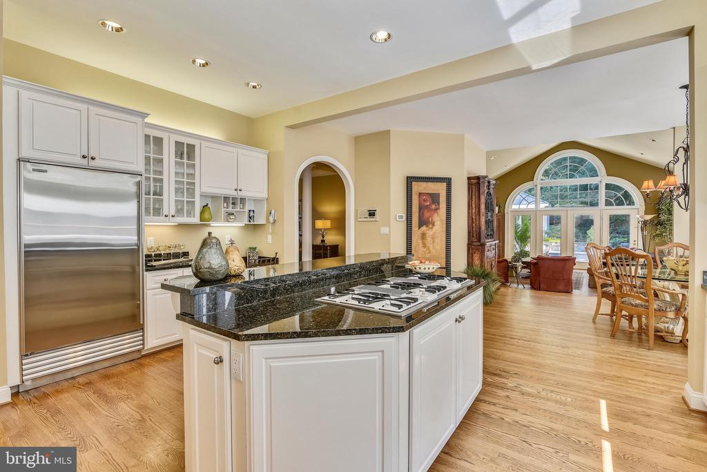 Gourmet kitchen - 12303 BLAIR RIDGE RD, FAIRFAX