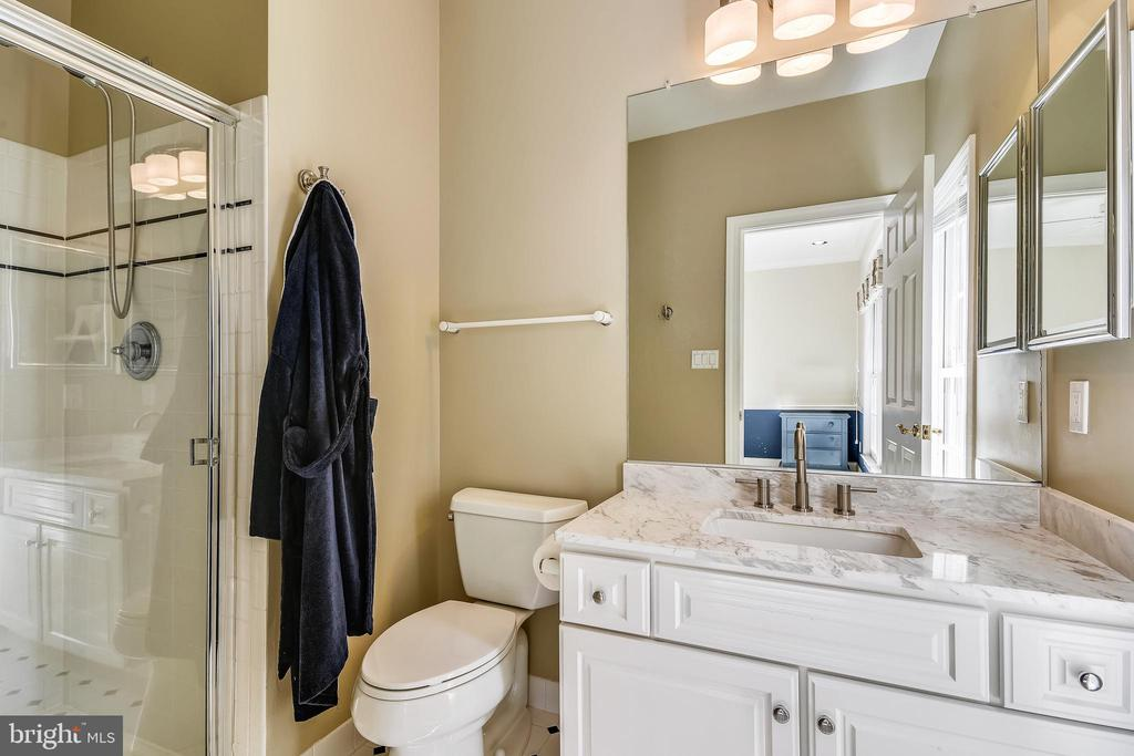 En suite bath - 12303 BLAIR RIDGE RD, FAIRFAX