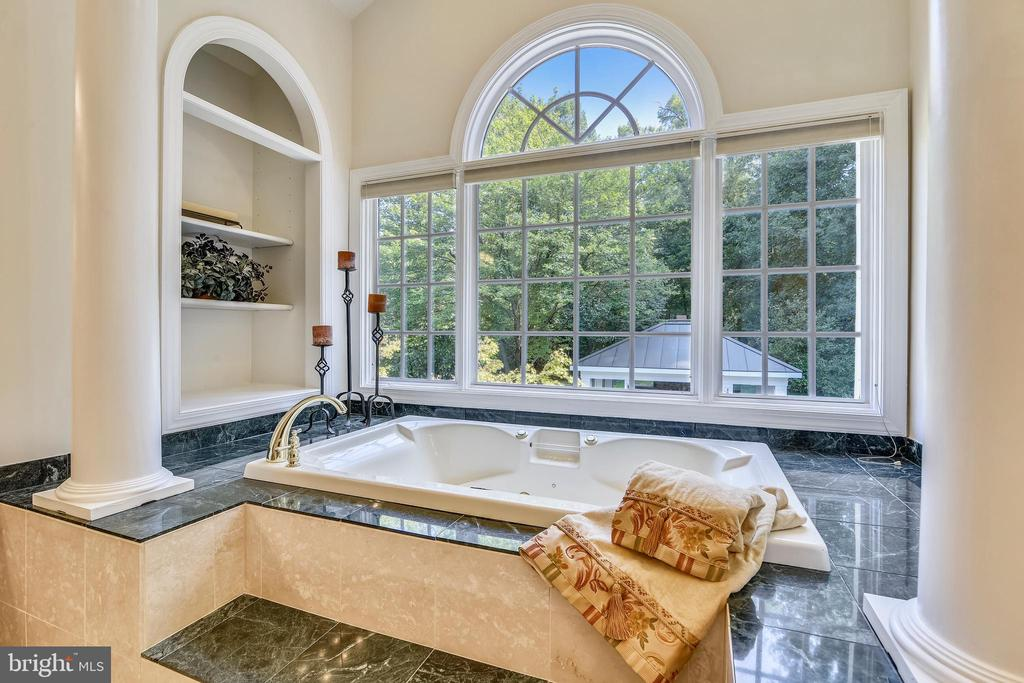 Tub with pool views - 12303 BLAIR RIDGE RD, FAIRFAX