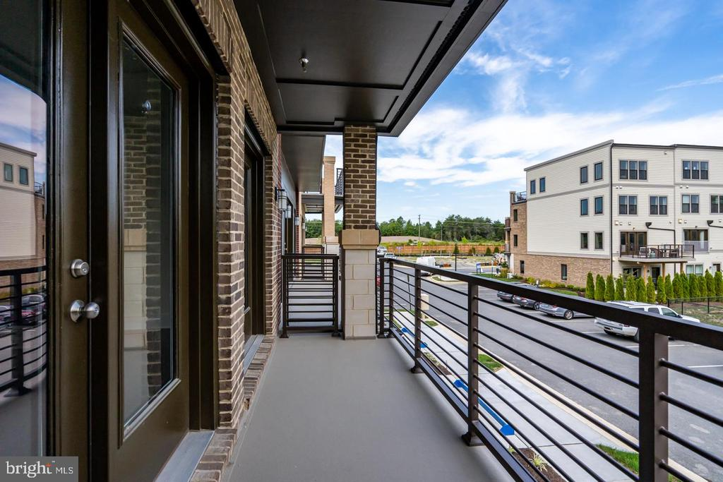 Main level balcony (Front) - 43075 OLD LINE TER, ASHBURN