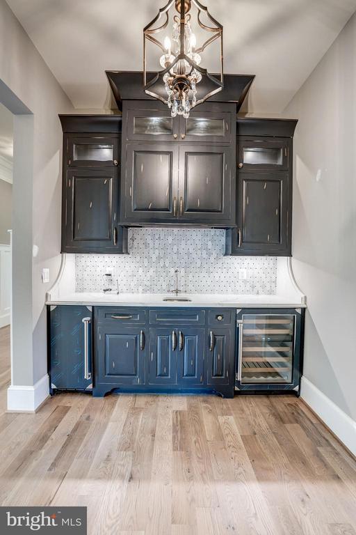Butler pantry - 11307 STUART MILL RD, OAKTON