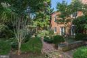 Carriage House with brick walkways - 209 S LEE ST, ALEXANDRIA