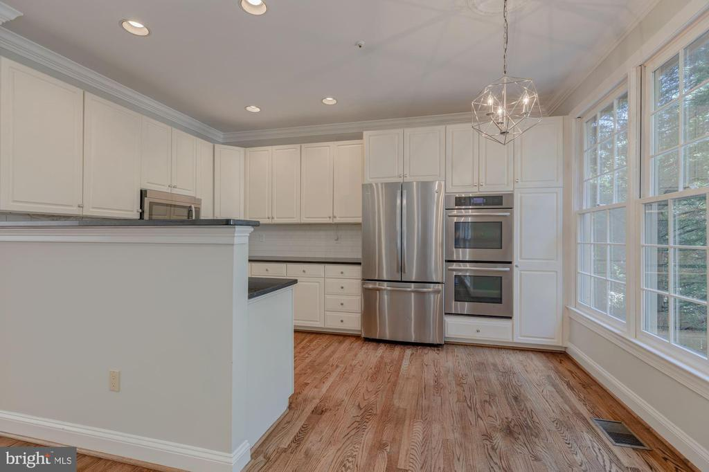 Eat-in Kitchen - 1503 N COLONIAL CT, ARLINGTON