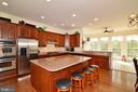 Kitchen w/ Island - 7901 SOUTH RUN VW, SPRINGFIELD
