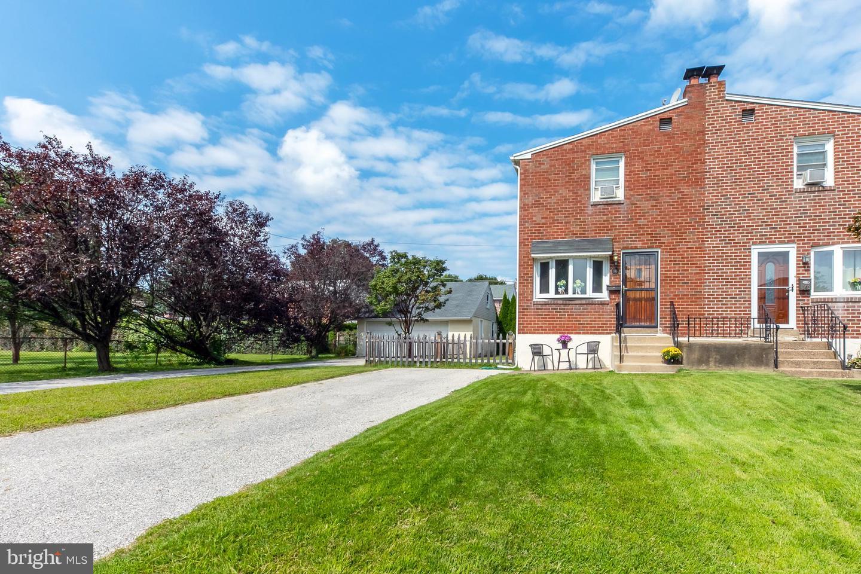 Single Family Homes for Sale at Aldan, Pennsylvania 19018 United States